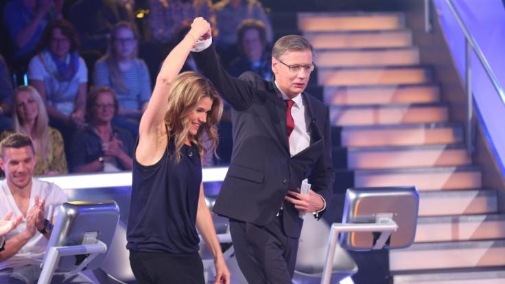 """Ein Tänzchen in Ehren: Anke Engelke ist zum inzwischen vierten Mal beim """"Wer wird Millionär?"""" Prominentenspecial dabei - schafft sie es diesmal, eine Million Euro für wohltätige Zwecke zu erquizzen? (Foto)"""