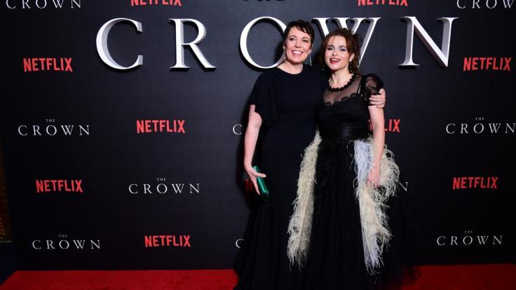 """In Staffel 3 von """"The Crown"""" sind Olivia Colman als Queen Elizabeth II. und Helena Bonham-Carter als Prinzessin Margaret zu sehen. (Foto)"""