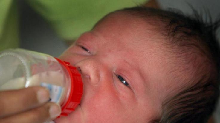 Selbst noch ein Kind und schon frischgebackene Mutter: In England hat eine erst Zwölfjährige ein Baby zur Welt gebracht. (Symbolfoto)
