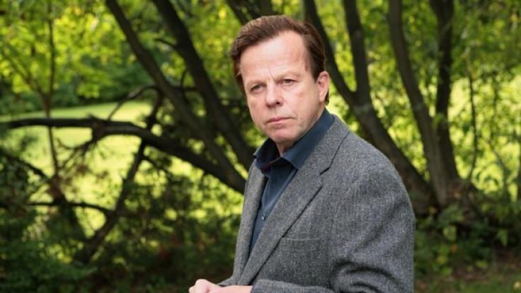 Krister Henriksson ist als Kurt Wallander eher knorrig und eigenwillig. (Foto)
