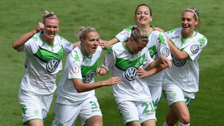 Alexandra Popp, Lara Dickenmann, Zsanett Jakabfi, Joelle Wedemeyer und Lena Goeßling stehen mit dem VfL Wolfsburg im Finale der Champions League der Frauen und spielen gegen Olympique Lyon. (Foto)