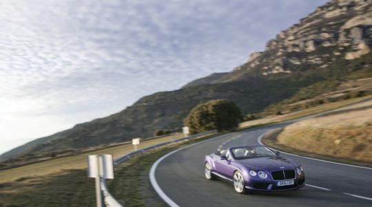 Die besten Bilder zu Bentley Continental GTC V8: Nur Fliegen ist schöner (Foto)