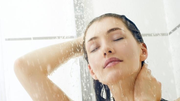Beim Duschen zu pinkeln, hat die gleichen Auswirkungen wie ein konventionelles Beckenbodentraining.
