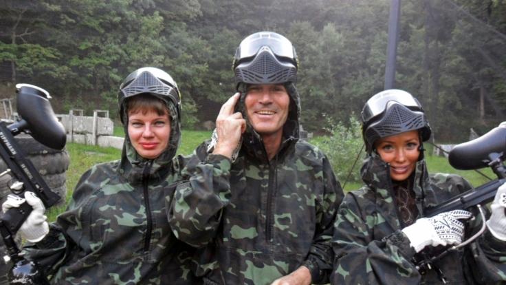 Walther mit Lena und Elena. (Foto)