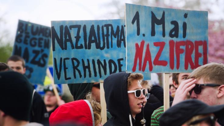 Auch in diesem Jahr werden wieder zahlreiche Menschen gegen rechte Gruppen demonstrieren. (Foto)