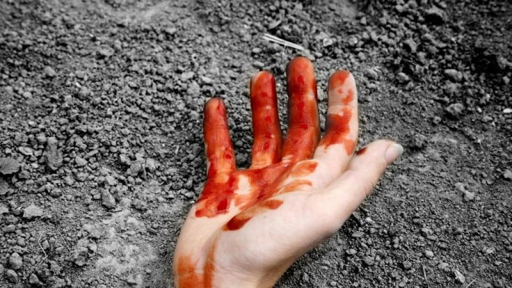In Syrien wurde eine junge Frau von zehn Männern hingerichtet. (Foto)