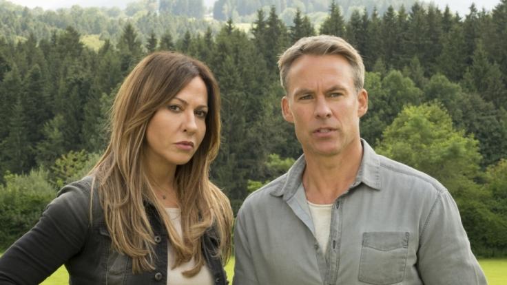 """Simone Thomalla als Katja Baumann und Marco Girnth als Mark Weber im ZDF-Fernsehfilm """"Frühling – Nichts gegen Papa"""". (Foto)"""