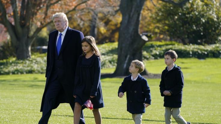Hat Donald Trump seine Enkelkinder nur benutzt, um sein Image aufzupolieren? (Foto)