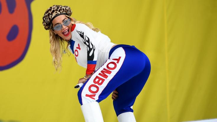 Rita Ora kennt man eigentlich in wilden Posen. (Foto)