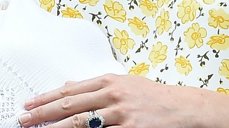 Der Ring, um den es geht: Der Verlobungsring der verstorbenen Prinzessin Diana und von Herzogin Kate.