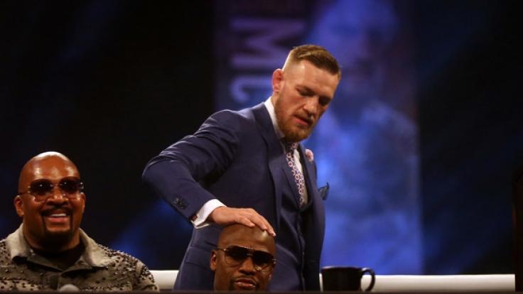 Conor McGregor (oben) tritt gegen Floyd Mayweather an. (Foto)