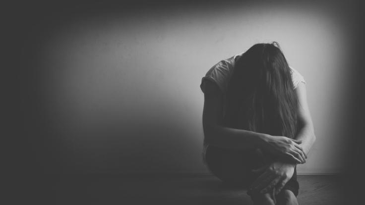 Eine junge Frau hat sich nach einer Gruppenvergewaltigung selbst getötet. (Symbolfoto) (Foto)