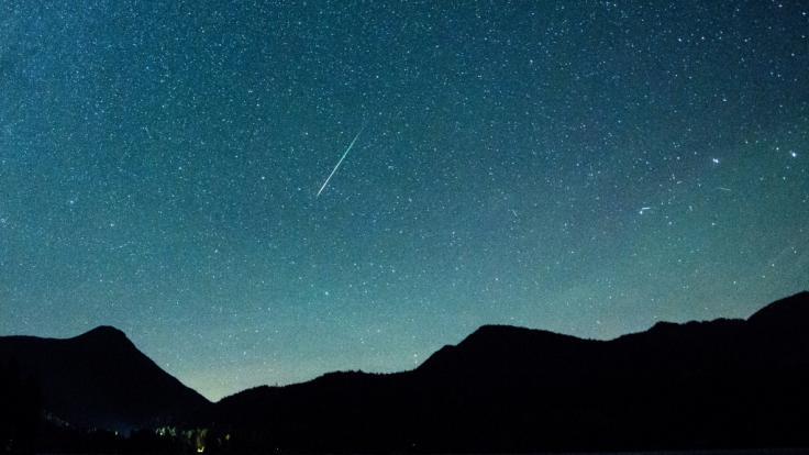 Im Dezember flammen gleich zwei Sternschnuppenströme am Himmel auf. (Foto)