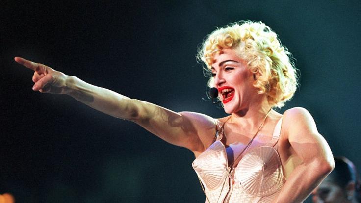 Madonna in ihrem Bustier des französischen Designers Jean Paul Gaultier.