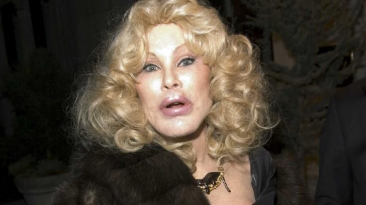 Societylady Jocelyn Wildenstein hat es mit ihren Schönheits-OPs mehr als übertrieben. Sie gab vier Millionen Dollar aus, um sich zur Katzenfrau opperieren zu lassen.