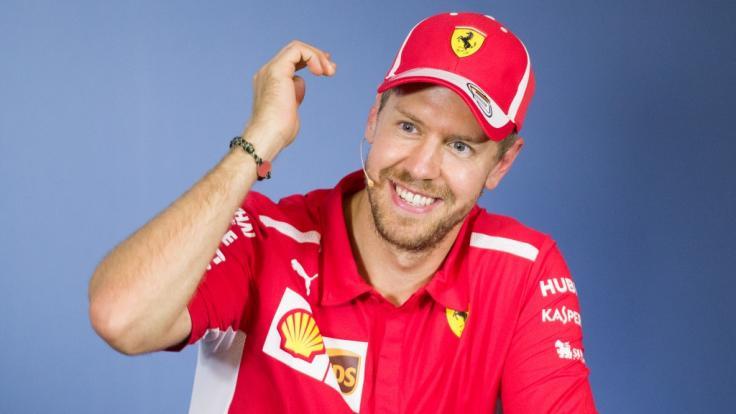 Formel-1-Rennfahrer Sebastian Vettel hat seine Freundin Hanna geheiratet.