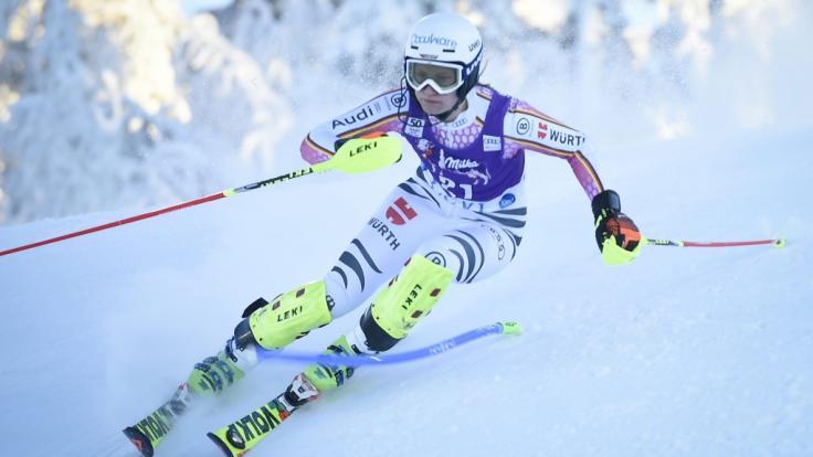 Lena Dürr wird für das deutsche Ski-Team im Ski-alpin-Weltcup 2020/21 in Levi beim Slalom an den Start gehen. (Foto)