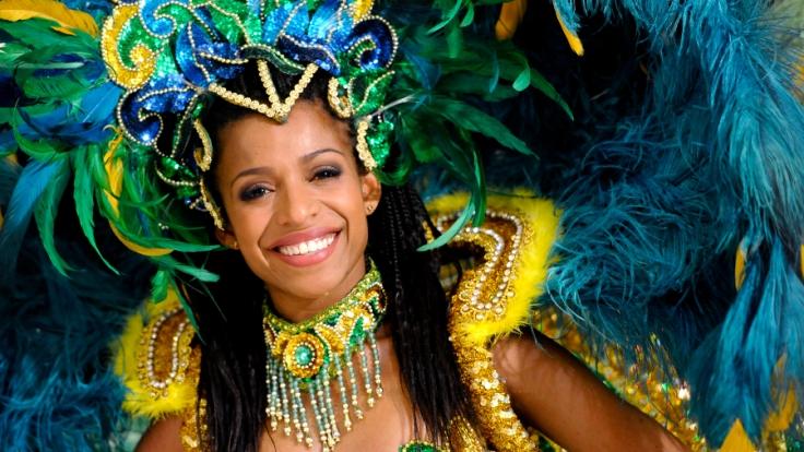 Die Tänzer des deutschen Fernseh-Balletts bringen brasilianisches Flair in die Sendung von Carmen Nebel.