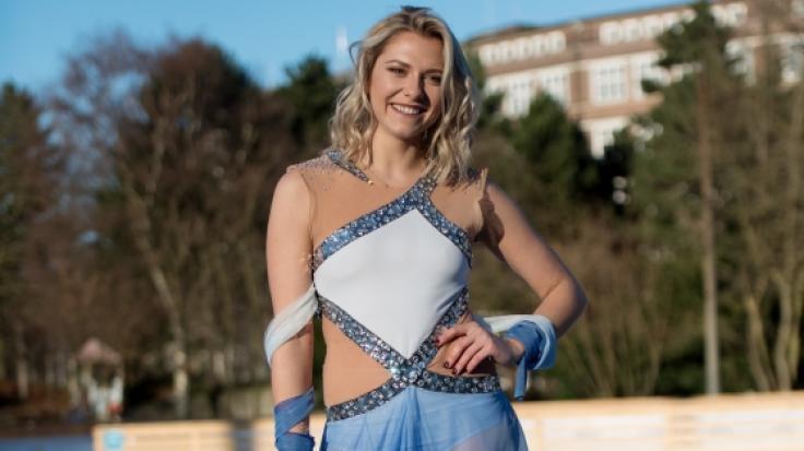 Zum GZSZ-Jubiläum überraschte Valentina Pahde ihre Fans mit einem transparenten Hammer-Outfit! (Foto)