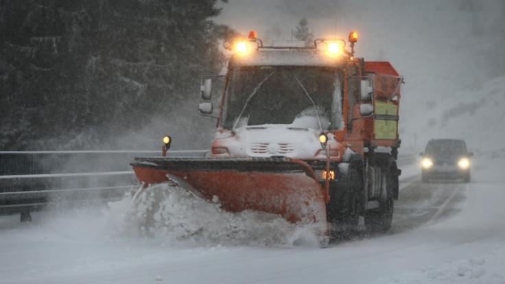Der DWD warnt vor winterlichen Straßenverhältnissen. (Foto)