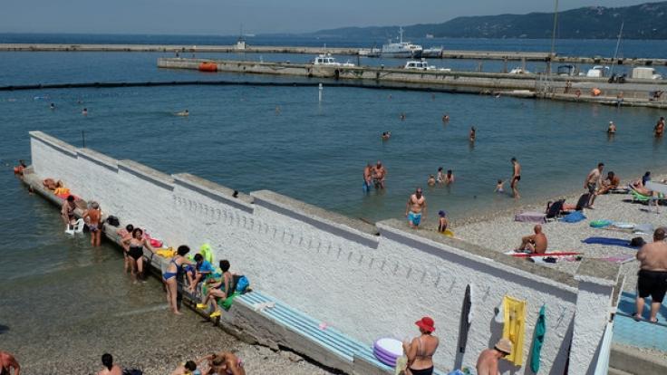 """Seit 114 Jahren wird am """"El Pedocin""""-Strand in Triest geschlechtergetrennt gebadet. (Foto)"""