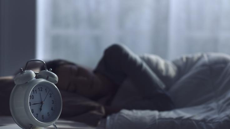 Eine Studie hat ergeben, dass Frauen, die nachts häufig aufwachen, früher sterben. (Foto)