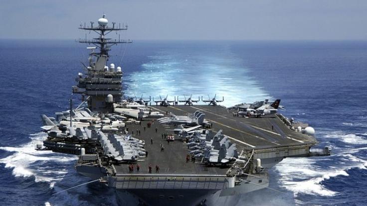 Einer der größten US amerikanischen Flugzeugträger, die USS Carl Vinson (CVN 70), ist am Samstag Richtung Korea aufgebrochen. (Foto)