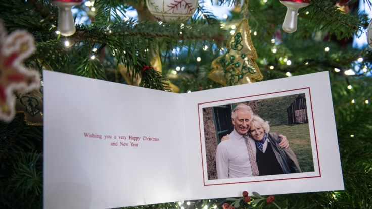 Ungewöhnlich locker: Charles und Camilla senden Weihnachtsgrüße. (Foto)
