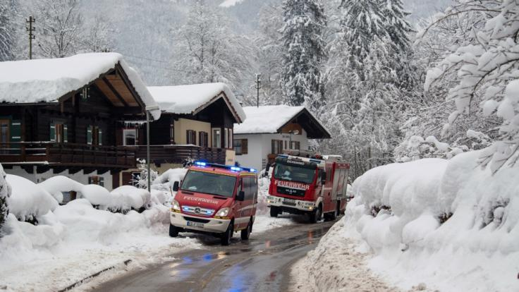 Im Alpenraum kämpfen die Menschen mit den Schneemassen. (Foto)