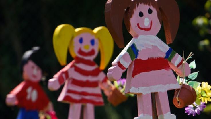 Einige Eltern schätzen die Vorzüge einer privaten Kita, in der ihr Kind optimal betreut wird.