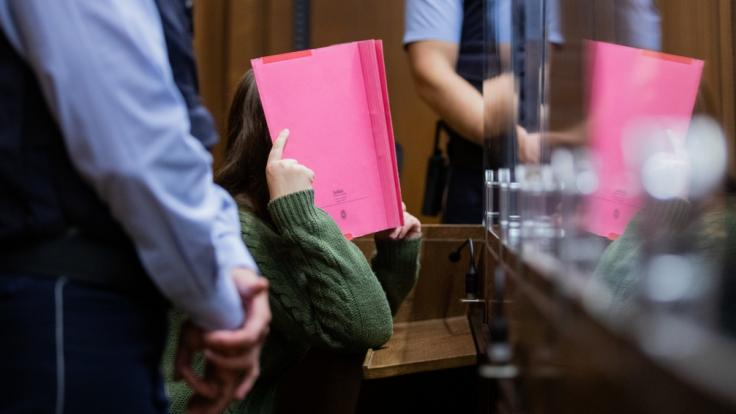 Im Mordfall Greta (3) hat der Prozess gegen eine angeklagte Kita-Erzieherin begonnen. (Foto)