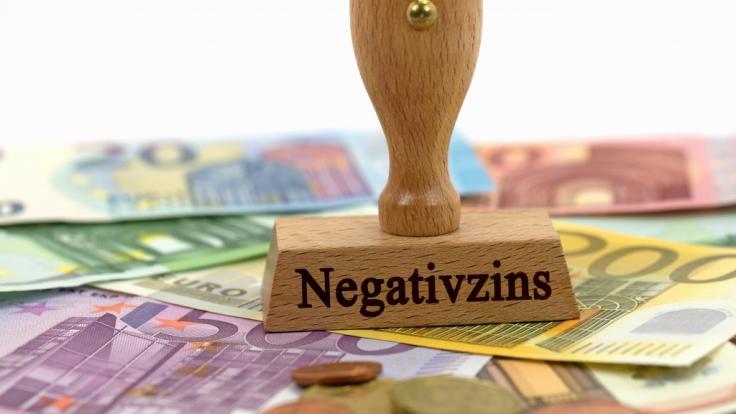 Immer mehr Banken und Sparkassen erheben Negativzinsen. (Foto)