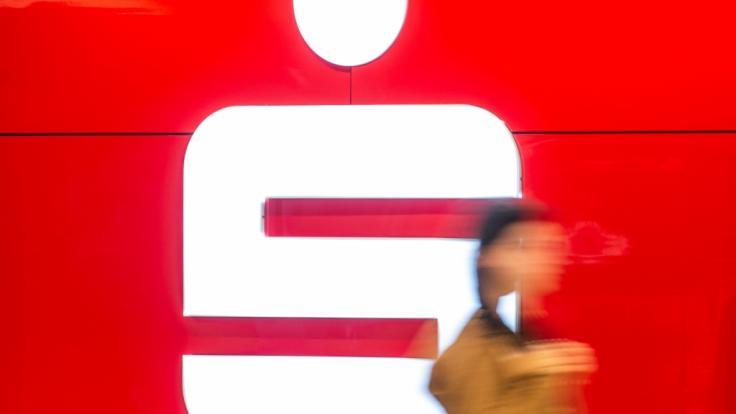 Die Sparkassen Finazgruppe warnt aktuell vor miesen Betrugsmaschen. (Symbolfoto) (Foto)