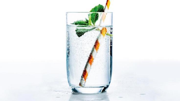 Spritzig, erfrischend und ohne gefährliche Schadstoffe: Die Qualität der meisten Mineralwässer stimmt laut dem Urteil der Stiftung Warentest.