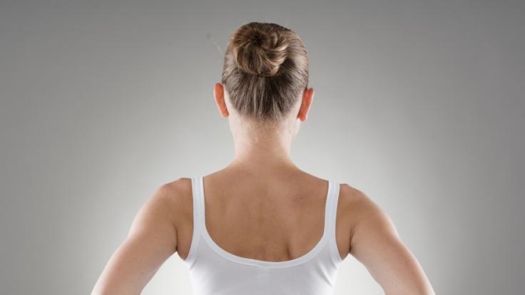 Diese Tricks helfen bei akuten Schmerzen im unteren Rücken. (Foto)