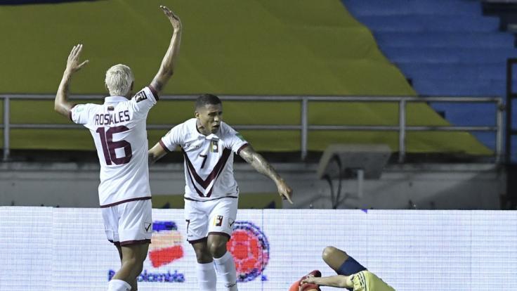 Santiago Arias hat sich bei einem Länderspiel schwer verletzt. (Foto)