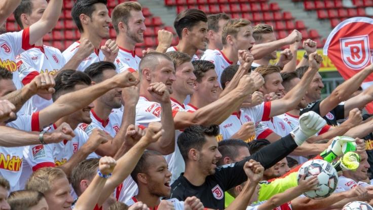 Heimspiel SSV Jahn Regensburg: Die aktuellen Spielergebnisse der 2. Fußball-Bundesliga bei news.de.