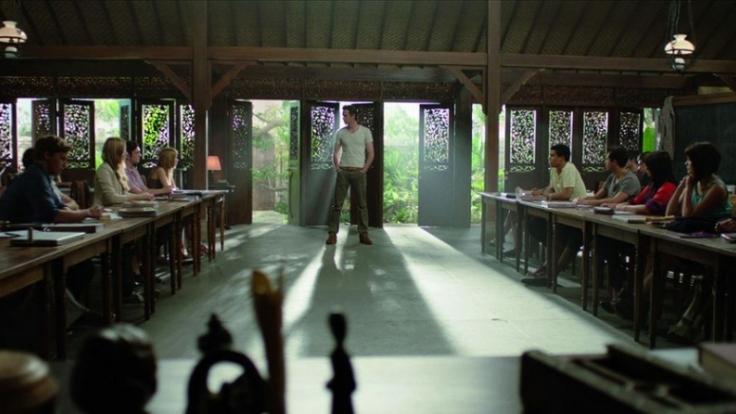 Wohlbehütet im klimatisierten Klassenzimmer begeben sich die Schüler auf ein Gedankenexperiment ihres Lehrers Mr. Zimit.