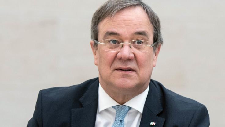 Nordrhein-Westfalens Ministerpräsident Armin Laschet übte harte Kritik am öffentlich-rechtlichen Fernsehprogramm.