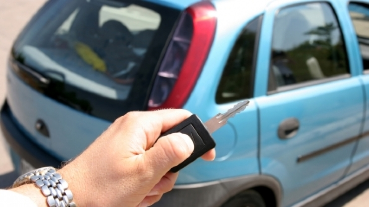 Aus rechtlicher Sicht ist es ziemlich einfach, einen geliehenen Wagen einfach weiterzuverkaufen - doch welche Rechte haben betrogene Autobesitzer? (Foto)