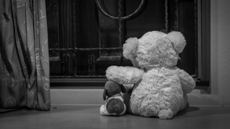 Eine 26 Jahre alte Frau aus dem englischen Grimsby wurde des sexuellen Kindesmissbrauchs überführt und angeklagt (Symbolbild).