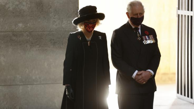 Herzogin Camilla Parker Bowles und Prinz Charles tragen Trauer: Die Partnerin von Camillas Sohn Tom Parker Bowles ist mit nur 42 Jahren gestorben. (Foto)