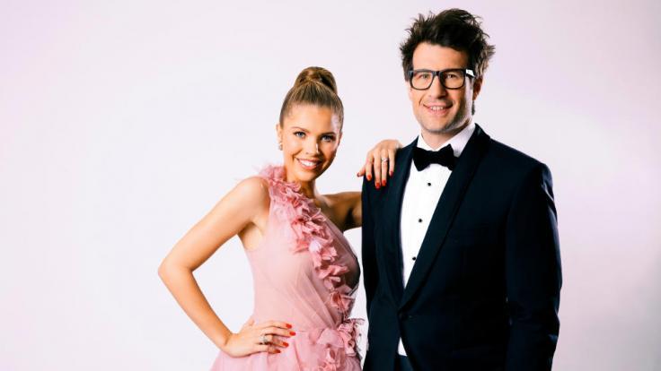 Victoria Swarovski und Daniel Hartwich moderieren das große Finale. (Foto)