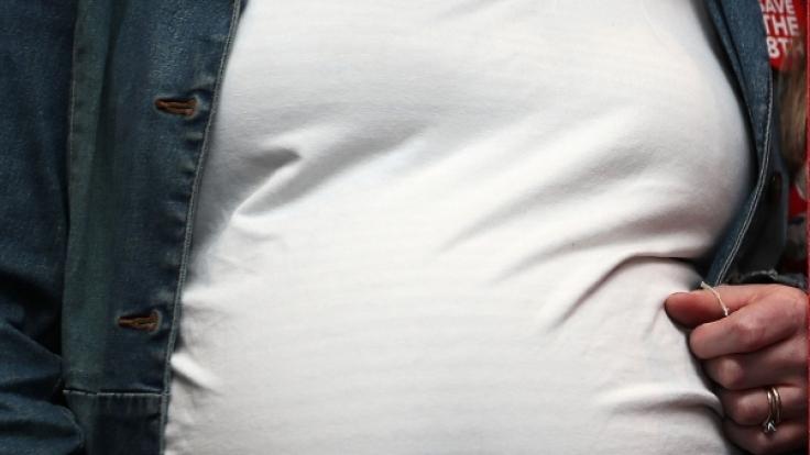 Nach einer künstlichen Befruchtung ist eine Frau aus England jetzt schwanger mit Vierlingen. (Symbolbild) (Foto)