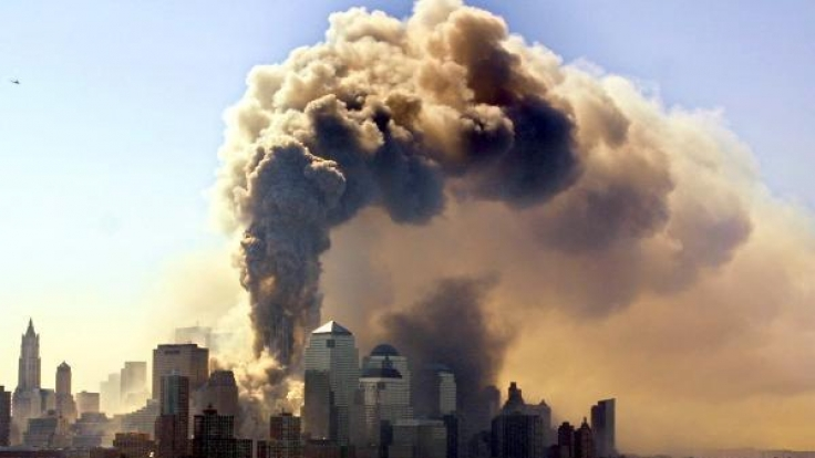 Am 11. September 2001 steuerten Terroristen zwei Flugzeuge in das World Trade Center.