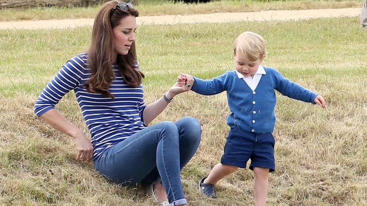 Mama Kate und der kleine Prinz George. (Foto)