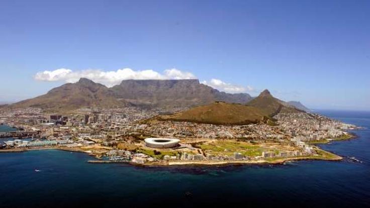Kapstadt ist die drittgrößte Stadt Südafrikas. Das Cape Town Stadion wurde eigens für die Fußball-Weltmeisterschaft gebaut. (Foto)