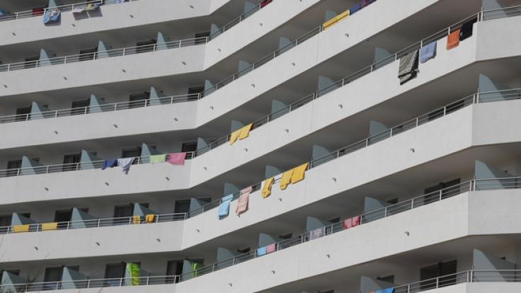 Ein 26-Jähriger ist auf Mallorca aus einem Appartement gestürzt. (Foto)