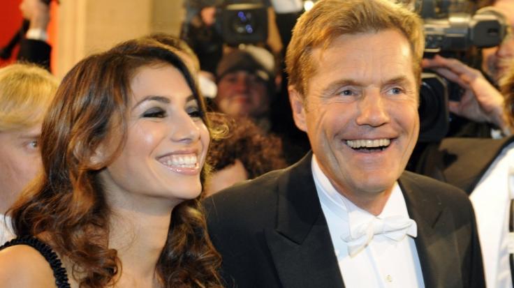 Die Gerüchte wollen nicht verstummen, dass Dieter Bohlen und seine Freundin Carina Walz längst verheiratet sein könnten.
