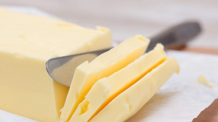 Butter gehört für Viele zum Essen einfach dazu. (Foto)